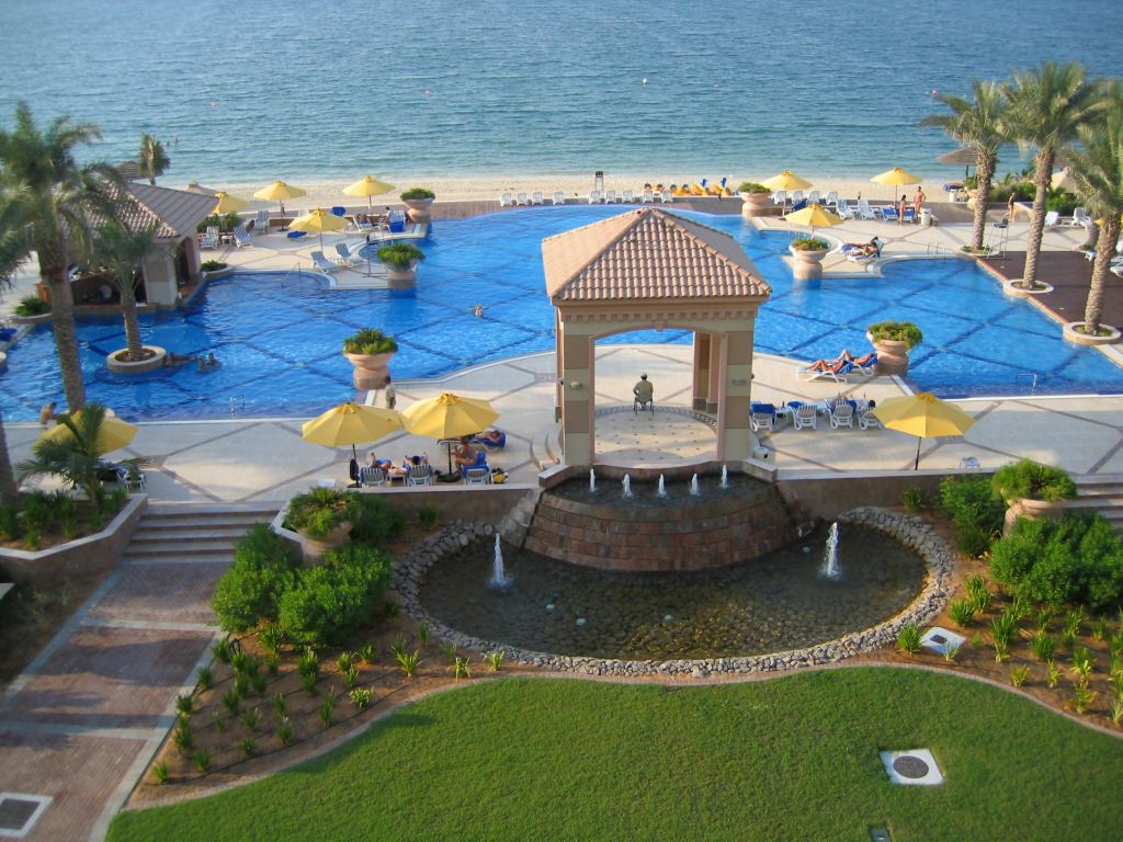 Vacanta Revelion Hotel Al Raha Beach 5* - Dubai