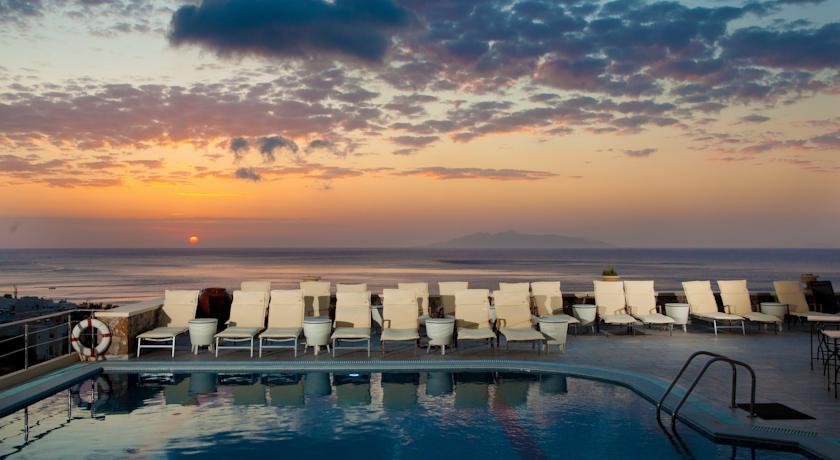 Hotel Epavlis 4* - Santorini 3
