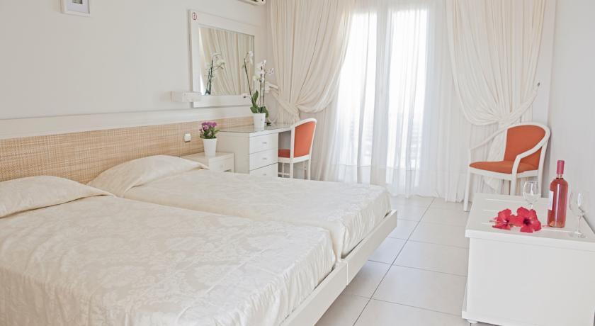 Hotel New Aeolos 3* - Mykonos 1