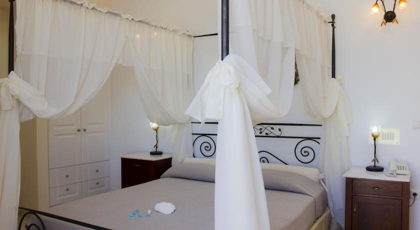 Hotel Epavlis 4* - Santorini 12