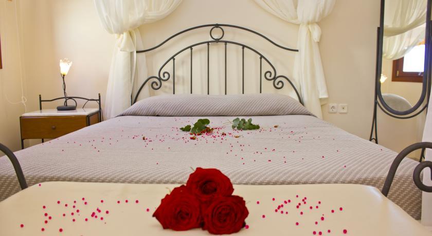 Hotel Epavlis 4* - Santorini 15