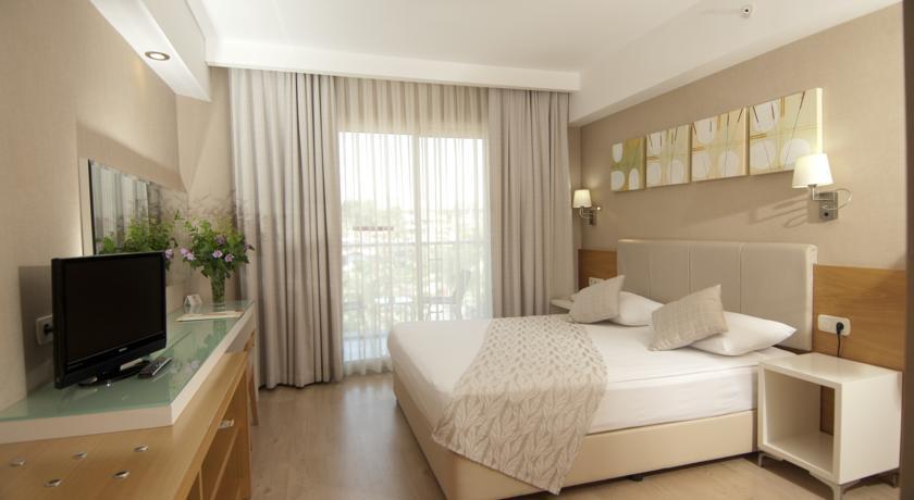 Hotel Trendy Palm Beach 5* - Side  1