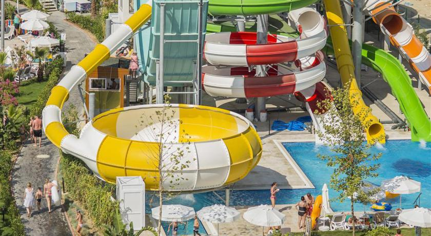 Hotel Dream World Aqua 5* - Side