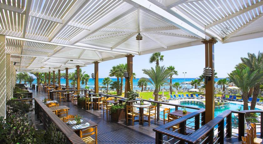 Revelion 2018 Golden Bay Beach Hotel 5* - Cipru 4