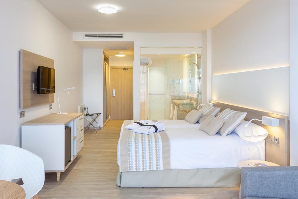Vacanta spania la hotel melia jardines del tiede 4 for Melia jardines del teide junior suite