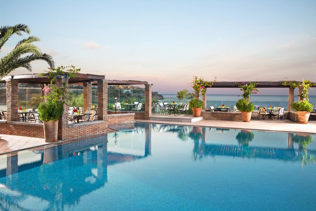Hotel Out of the Blue Capsis Elite Resort 5* - Creta 1
