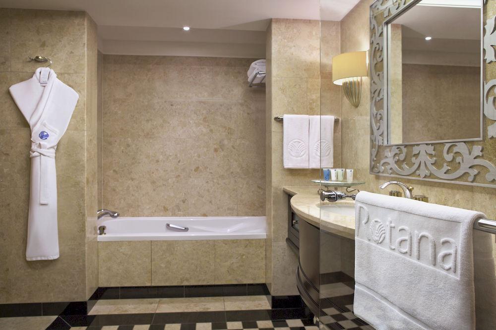 Hotel Beach Rotana 5* - Abu Dhabi 12
