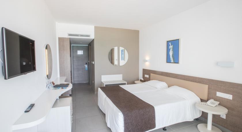 Hotel Vassos Nissi Plage 4* - Cipru 11
