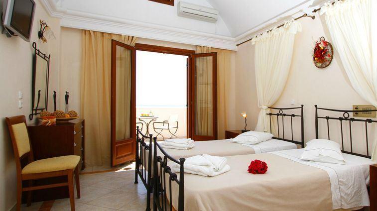 Hotel Epavlis 4* - Santorini 2