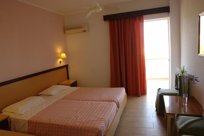 Hotel Livadi Nafsika 3* - Corfu 11