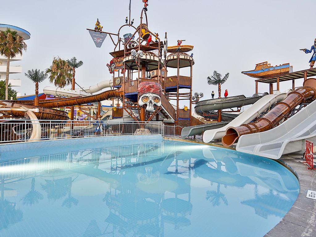 Hotel Crystal Admiral Resort 5* - Side 1