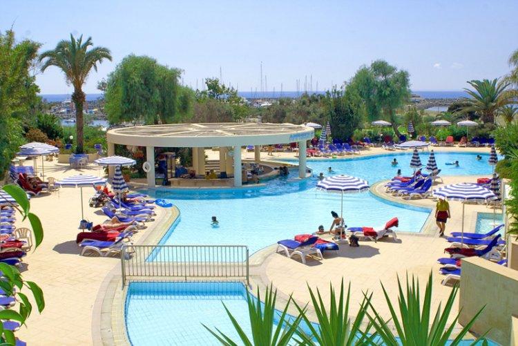 Hotel St. Raphael Resort 5* - Cipru 3