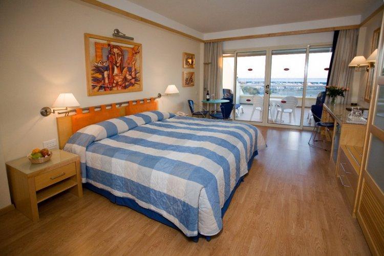 Hotel St. Raphael Resort 5* - Cipru 5
