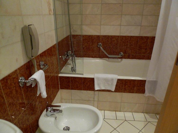 Hotel St. Raphael Resort 5* - Cipru 23