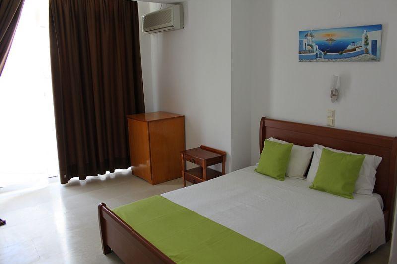 Hotel Makarios 3* - Insula Santorini 11