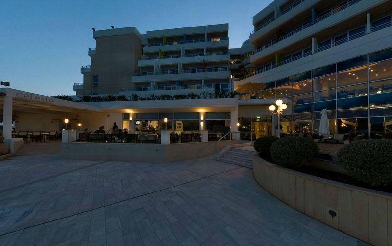 Hotel Mediterranean Beach 4* - Cipru 13