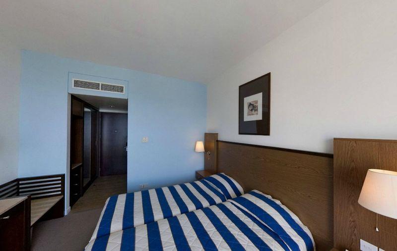 Hotel Mediterranean Beach 4* - Cipru 15
