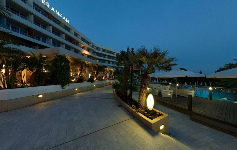 Hotel Mediterranean Beach 4* - Cipru 16