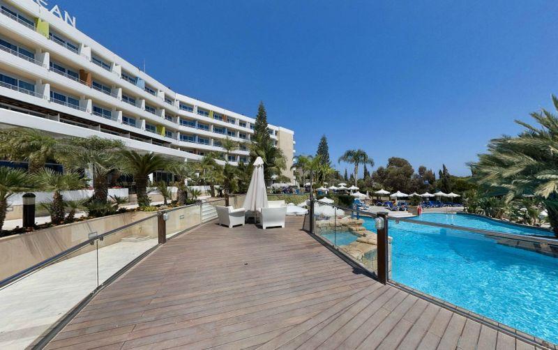 Hotel Mediterranean Beach 4* - Cipru 17