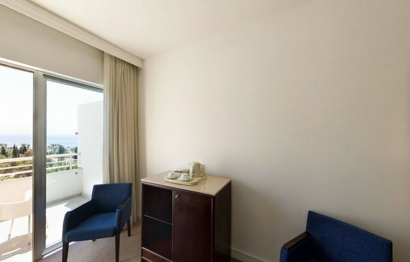 Hotel Mediterranean Beach 4* - Cipru 24