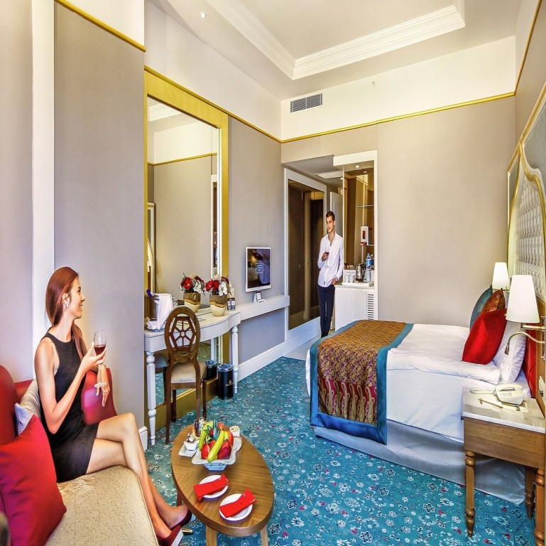 Hotel Royal Taj Mahal 5* - Side  9