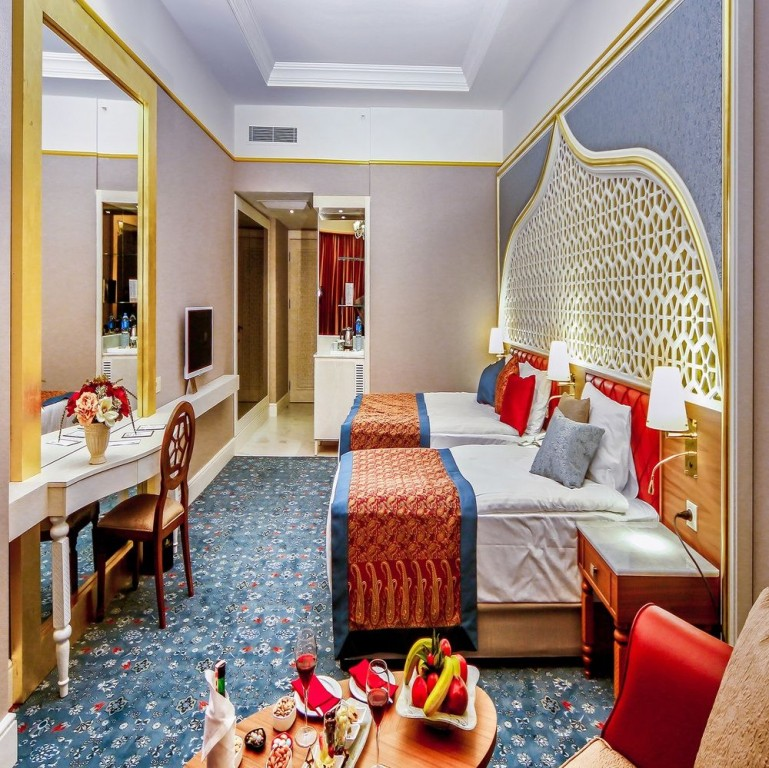Hotel Royal Taj Mahal 5* - Side  10
