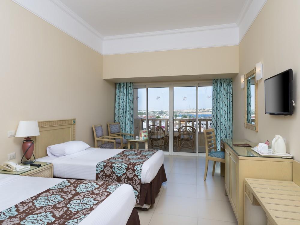 Hotel Tropitel Naama Bay 5* - Sharm El Sheikh 4